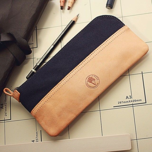Simplicity is key with this elegant pencil case by Voyej. Designed with a simple leather exterior, this pencil case is a blend of classic and shopisticated.  Grab yours now @abbeyroadstore  #abbeyroadstore #abbeyroad #pencilcase #voyej #case #pouch