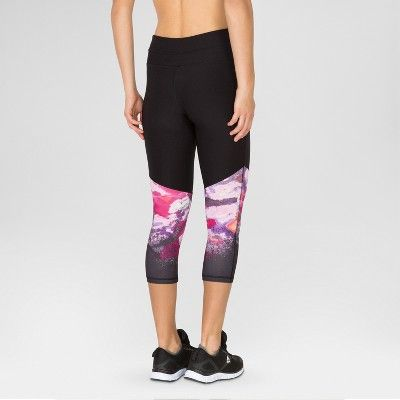 Women's Yoga Capri with Waterlily Print - Black L - Rbx | Products ...
