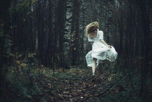 Viviré un día a la vez,  ya se irá esta melancolía... Se irá.
