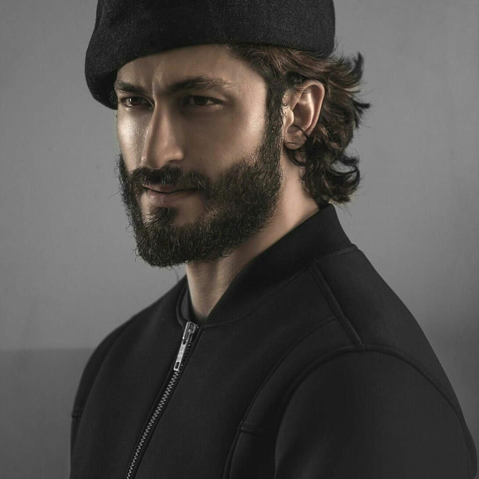 Vidyut Jammwal to get more hd and latest photo click here