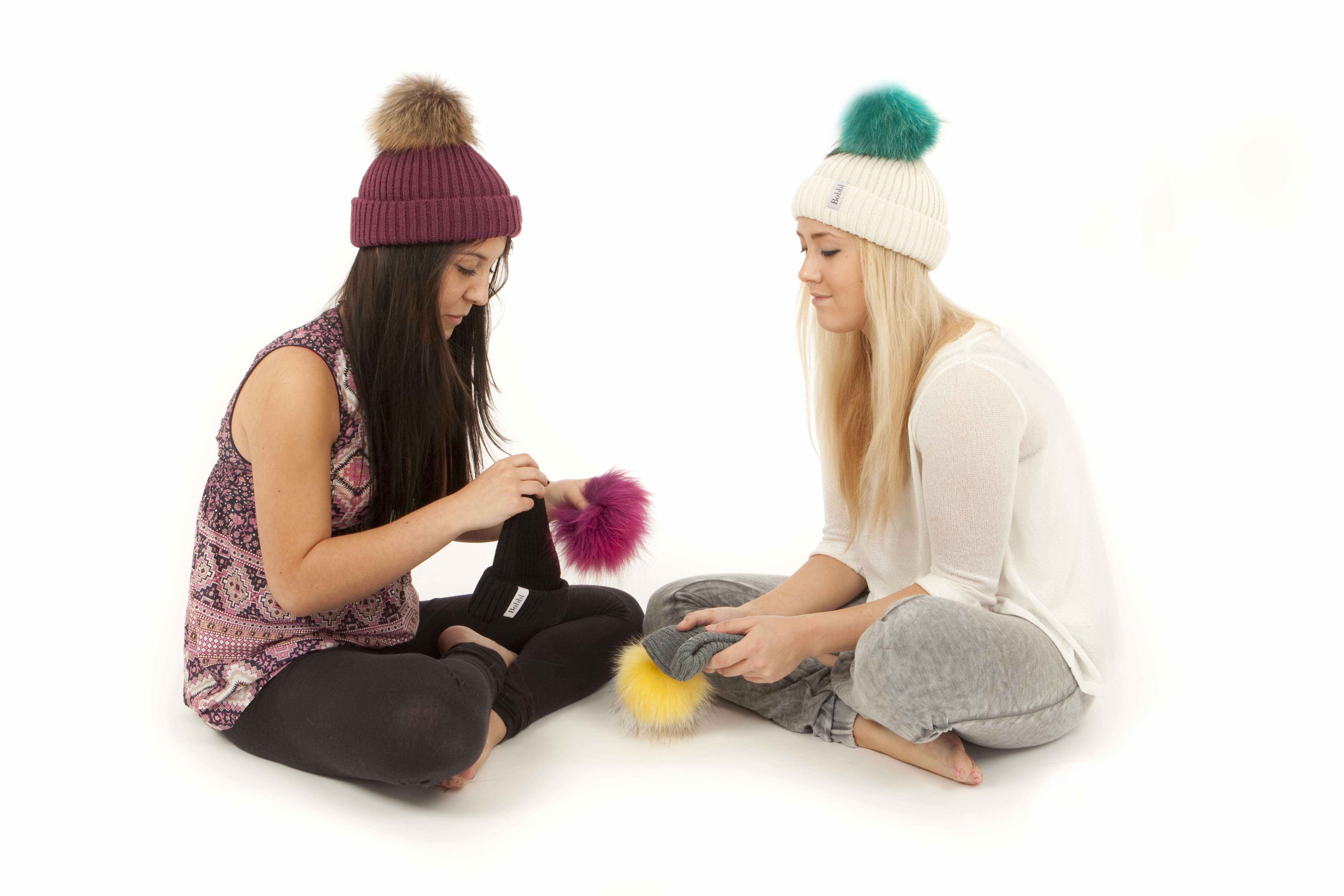 Mix and match your bobbls with friends using the popper on the top of your Bobbl hat