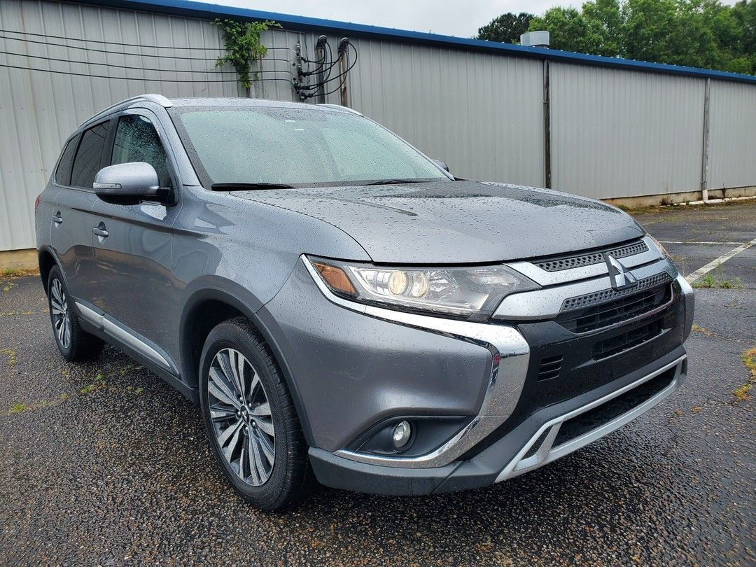 Family Growing Time For A New Ride Call 251 217 2202 And Save S On This 2019 Mitsubishi Outlander S Mitsubishi Outlander Mitsubishi Used Trucks For Sale