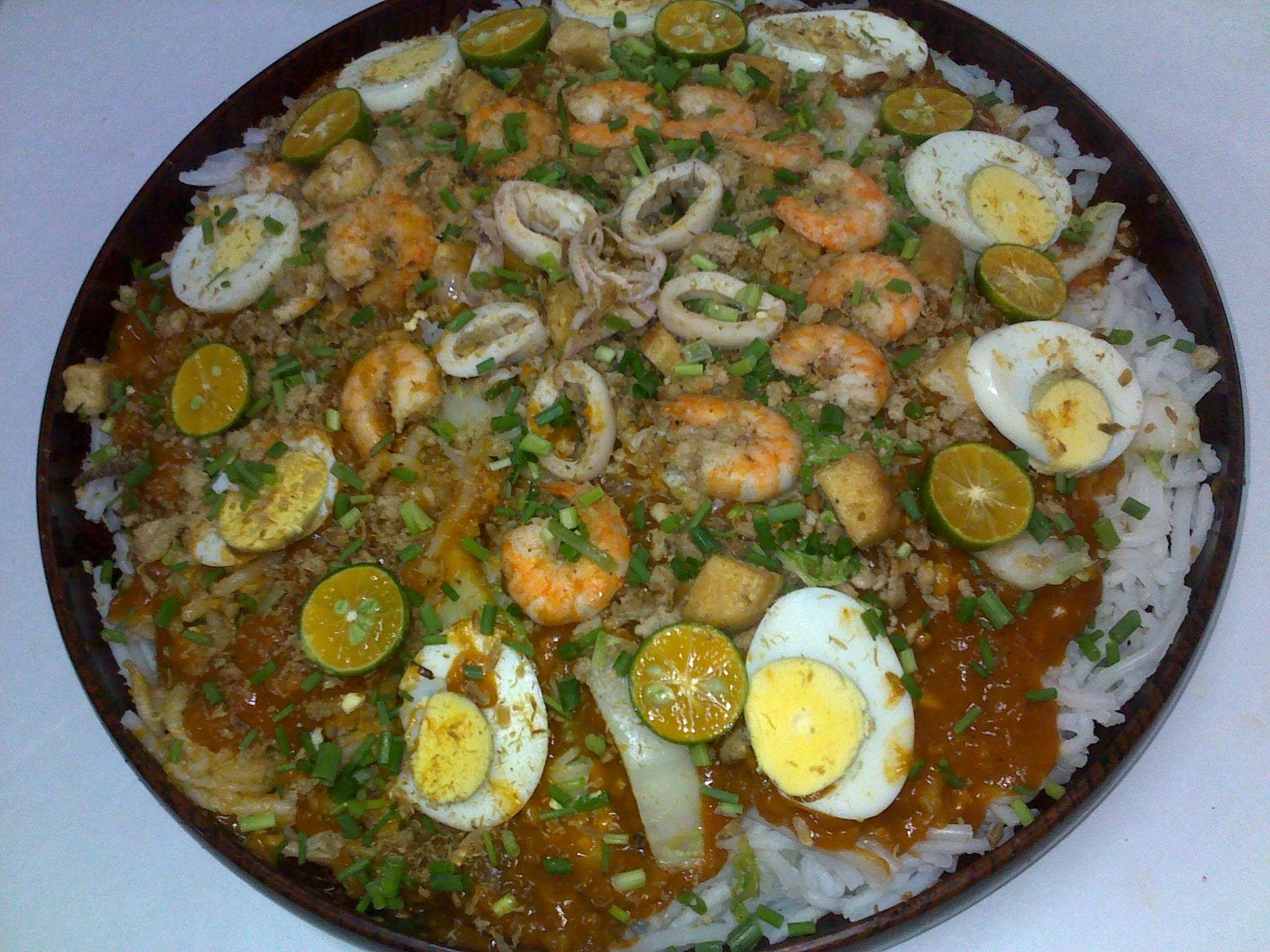 A Popular Asian Filipino Noodle Dish With Vegetable, Ground Pork, Shrimp,  Hard Boiled How To Make