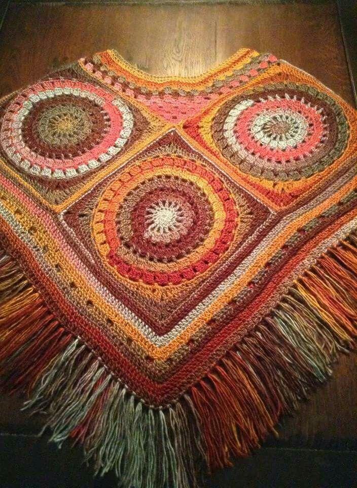 Poncho Fenna Wagenwiel Granny Ponchos Crochet Crochet Poncho