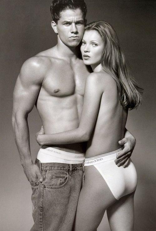Mark Wahlberg et Kate Moss par Herb Ritts pour la campagne Calvin Klein Jeans 1993