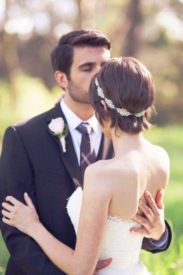 Hochzeitsfrisuren Kurze Haare Diadem Perlen Kristallen Hochzeit