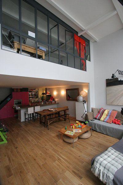 Ici les occupants forment une famille recomposée, et un volume intérieur est venu s'encastrer dans le cube nu. Les propriétaires ont opté po...http://www.maison.com/architecture/portraits/camille-hermand-architecte-ecoute-7580/galerie/34565/