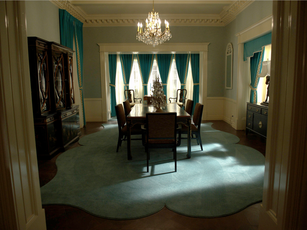 Inside The Homes Of Hollywood Legends Bette Davis And Joan Crawford With Fx S New Show Feud Joan Crawford Crawford House Bette Davis