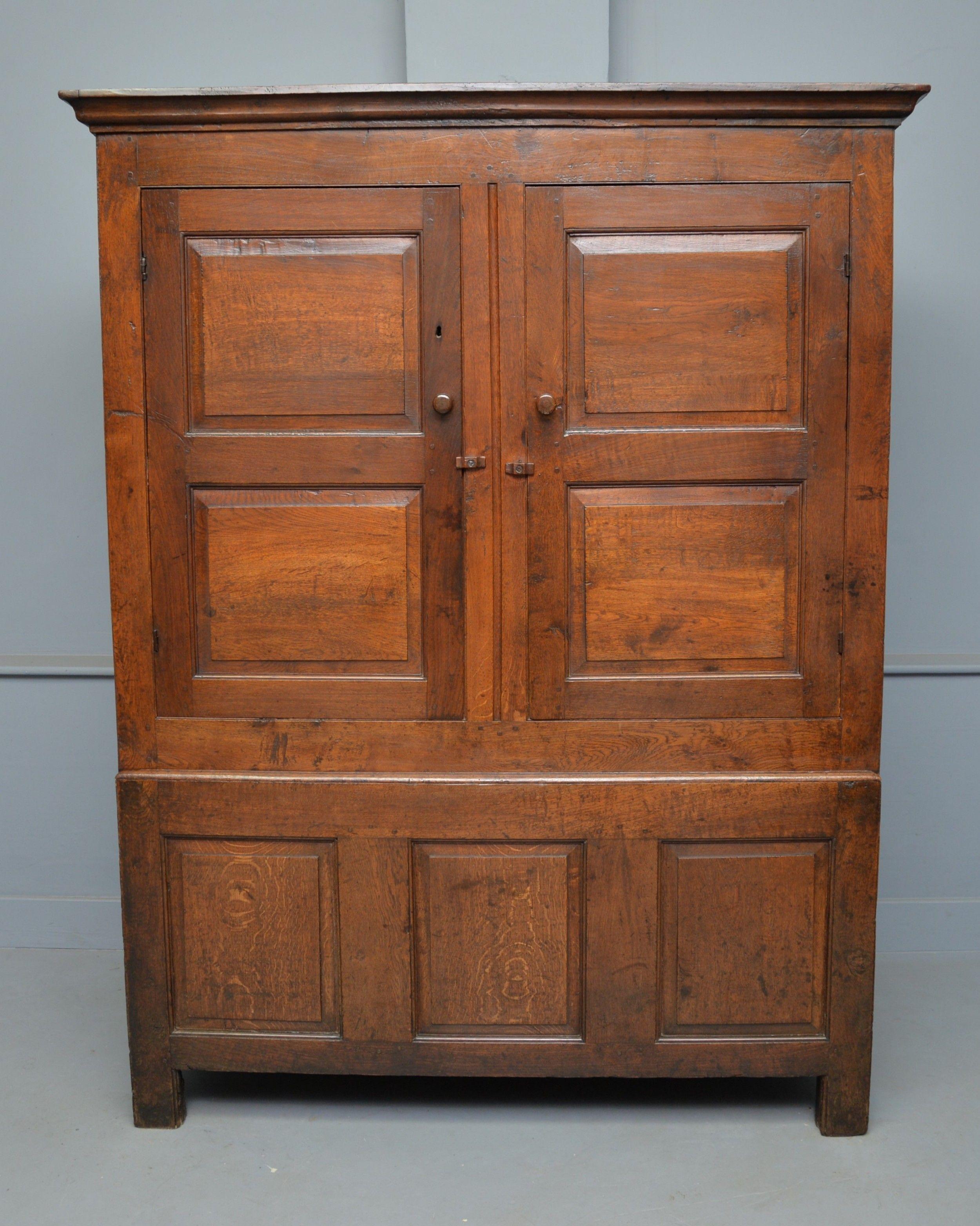 Charming 18th Century Oak Two Part Livery Cupboard Wardrobe 652613 Sellingantiques Co Uk In 2020 Cupboard Wardrobe Oak 18th Century