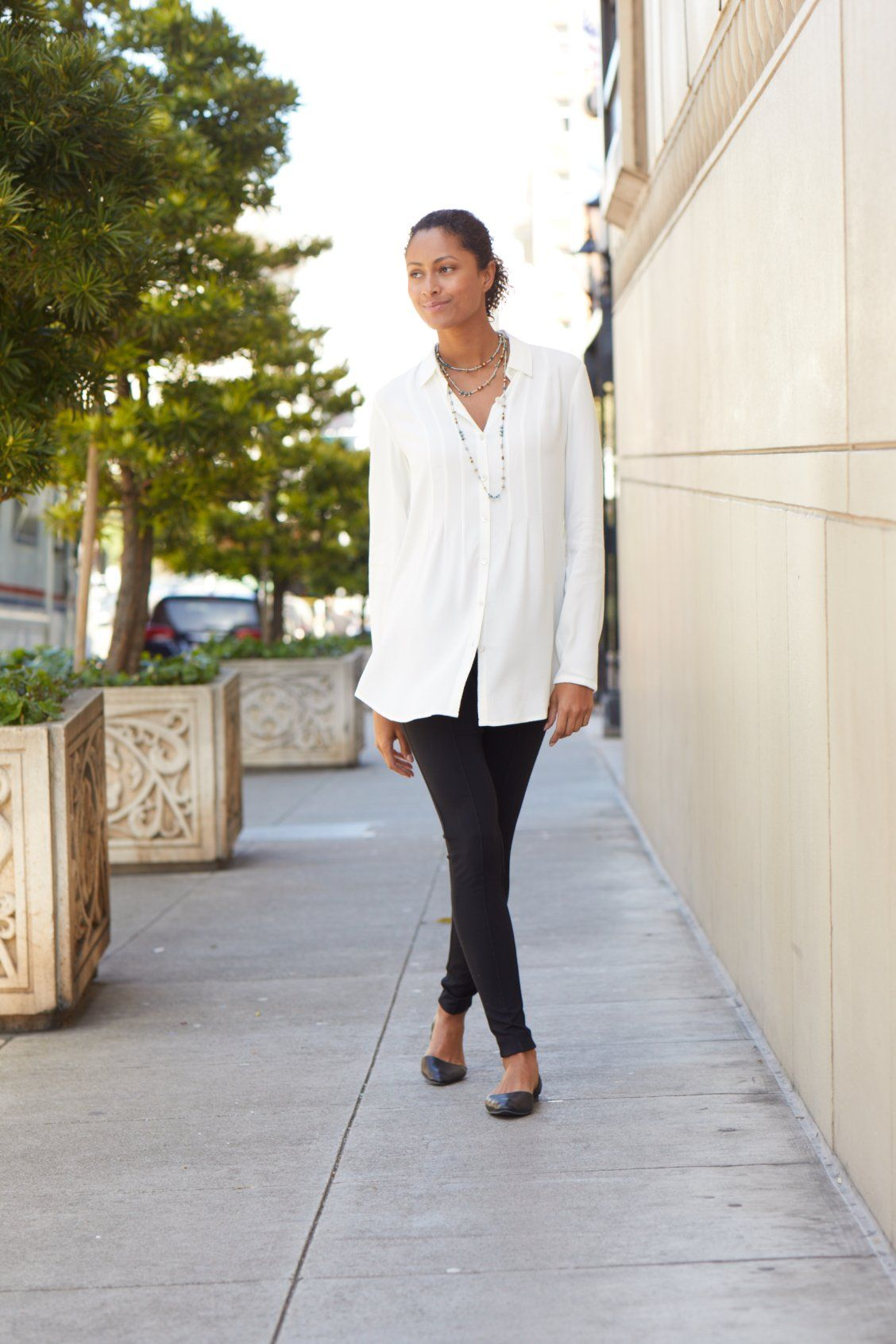 5520776a6a13 From workdays to weekends, your wardrobe works around the clock. J.Jill's  new fall collection makes it easy to style your leggings for fall. Wear  with a ...