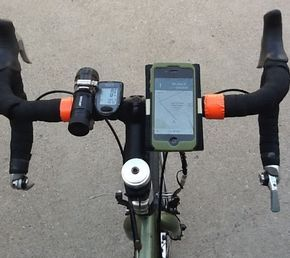 Want To Mount Your Smartphone On Your Bike It S This Easy Light