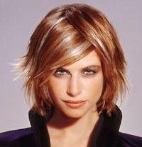 Chatain tres clair avec meche blonde