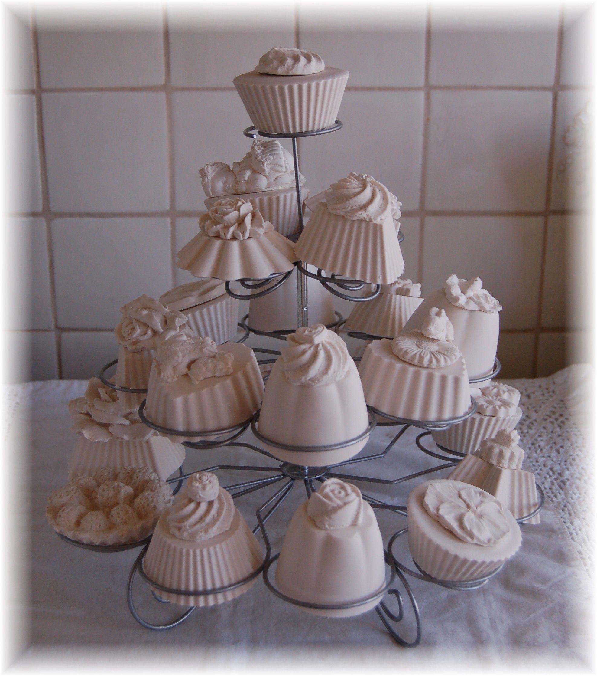 Geursteen Muffins Gemaakt Van Gips. Plaster Of Paris, Polymer Clay, Air Dry  Clay