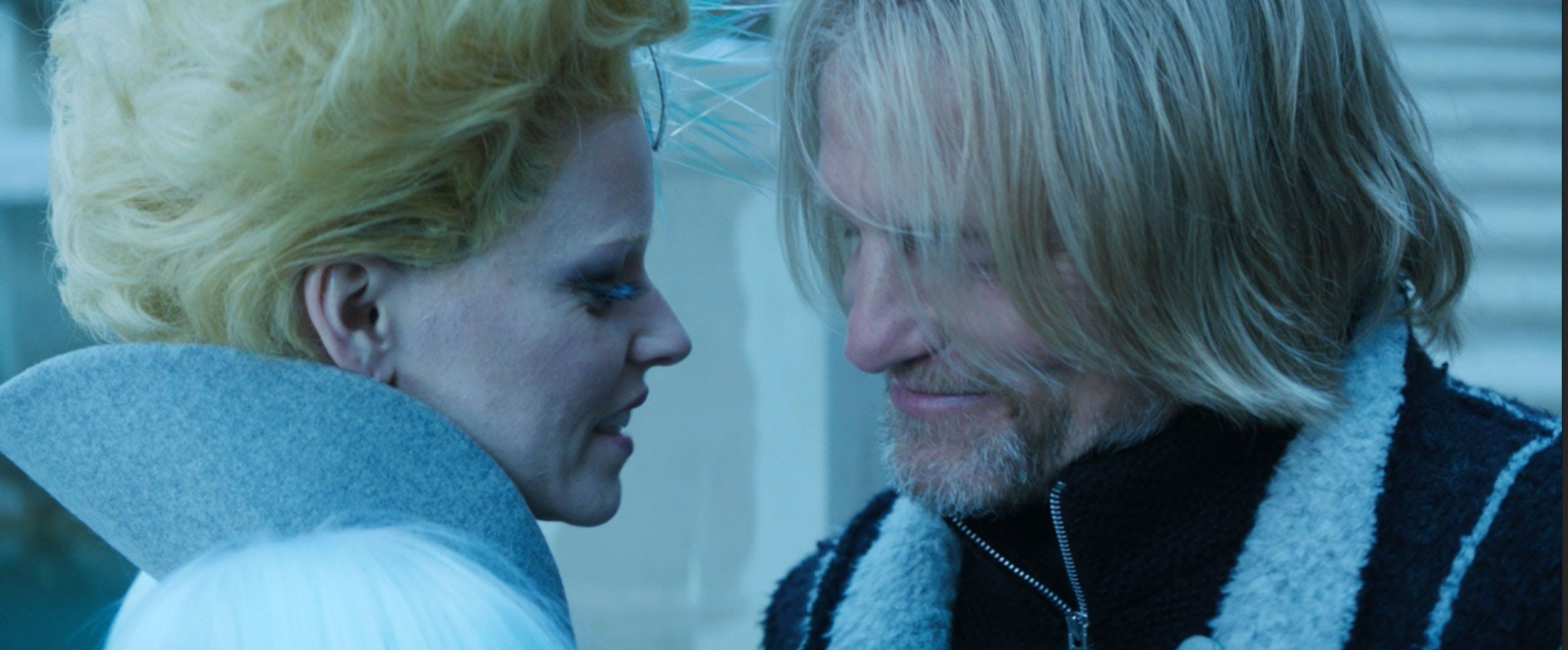 Effie and Haymitch Kiss in 'The Hunger Games: Mockingjay, Part 2 ...