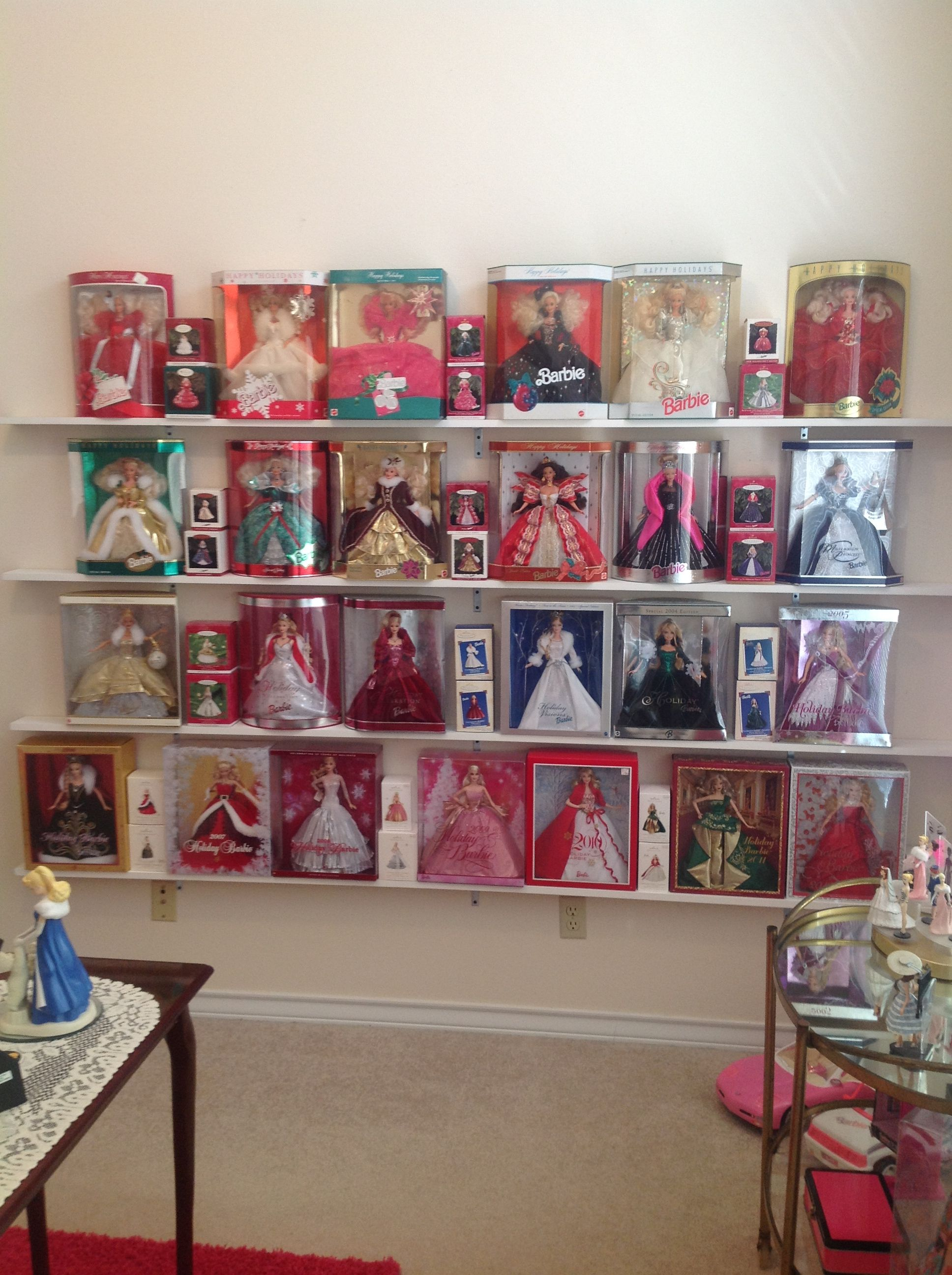 Barbie Bedroom In A Box: My Holiday Barbie Collection With All The Hallmark