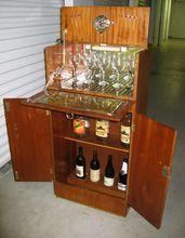 Vintage English Art Deco Burl Walnut Liquor Martini Cocktail Bar