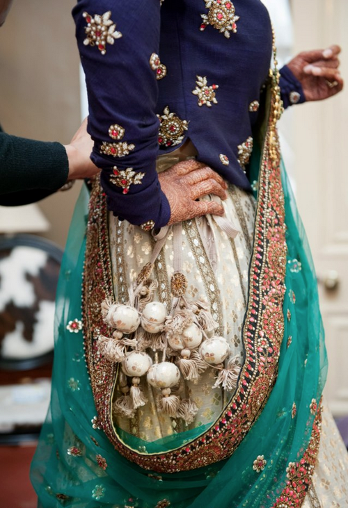 bridal lehenga - surprise element - alluring - loved & pinned by www.omved.com.