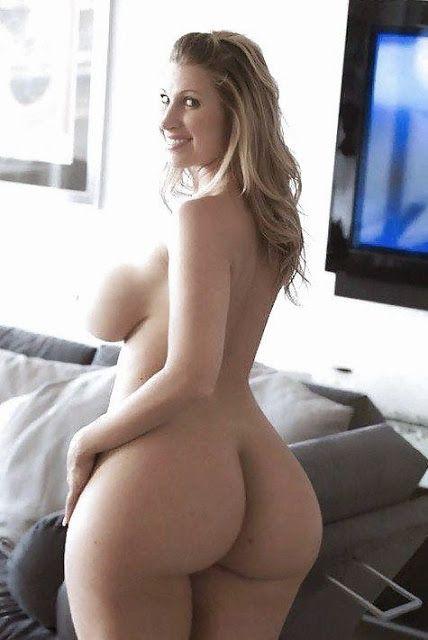 Huge Boobs Girl - Busty girls Photos -