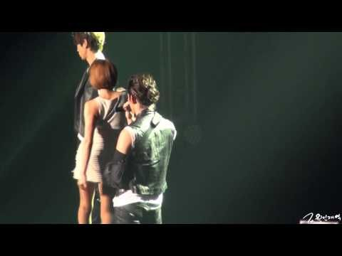 2PM LIVE 2012 Six Beautiful Days - 택연 Solo stage 2 니가 날 떠난 후에 (Taecyeon 2nd Solo Stage - After You've Left Me)
