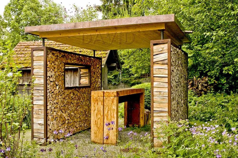 Totholz Im Garten Holzstapel Wildbienenschutz Und Naturgarten Holzwand Garten Holzstapel Sichtschutz Garten Holz