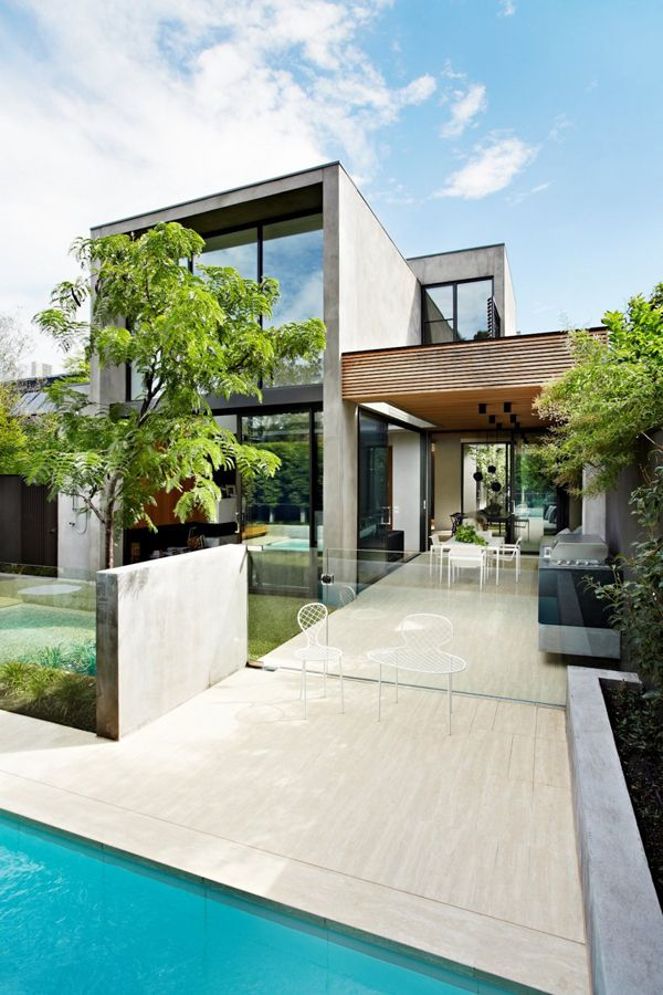 Natural materials integrated in modern property: Oban House ...