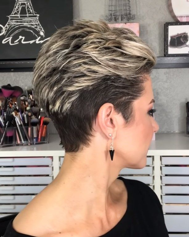 Amazing Short Hairstyles for Older Women with Unde