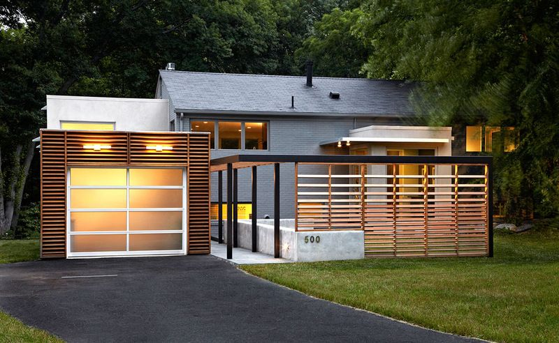 Superbe For House Privacy : Sideways Front Door With A Decorative Privacy Screen U2014  A Solution Thatu0027s Pure Genius In My Book. The Slats Were Placed Farther  Apart At ...