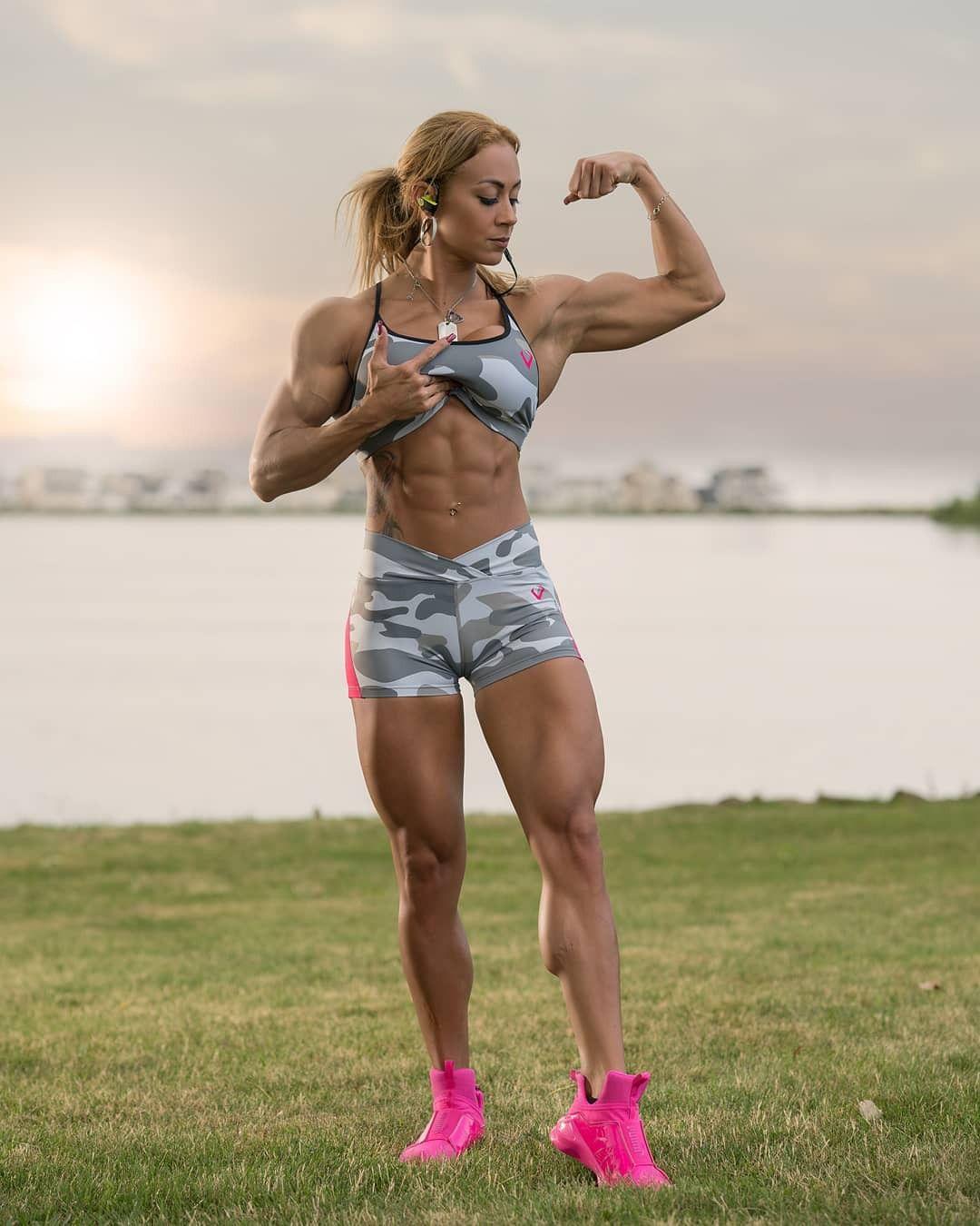 Karla Rodriguez | women with muscle | Pinterest | Bauchmuskeln und Frau