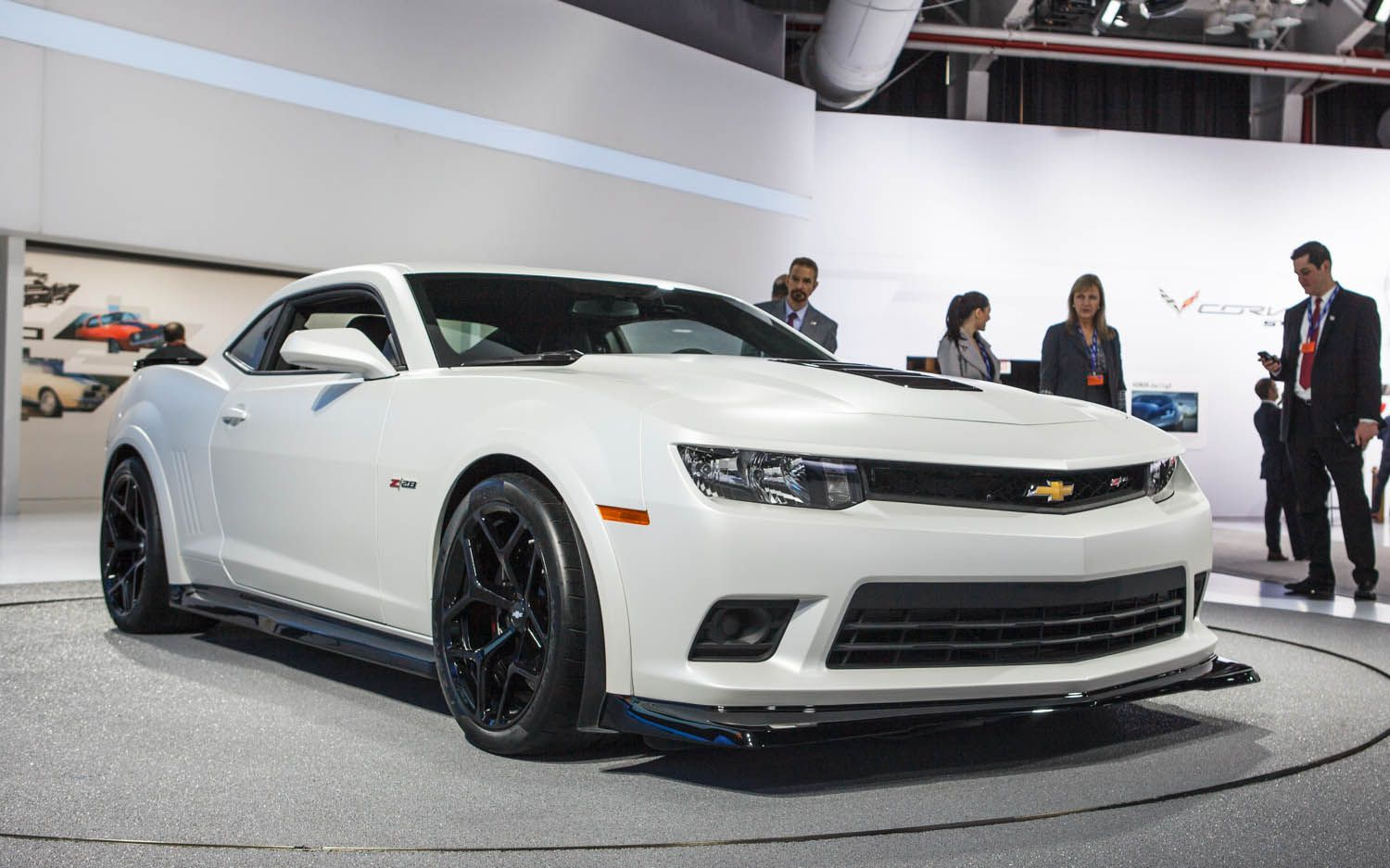 Exceptional Hot New Cars For 2014 | 2014 Chevrolet Camaro Z28 Front Three Quarters 2  Photo 1