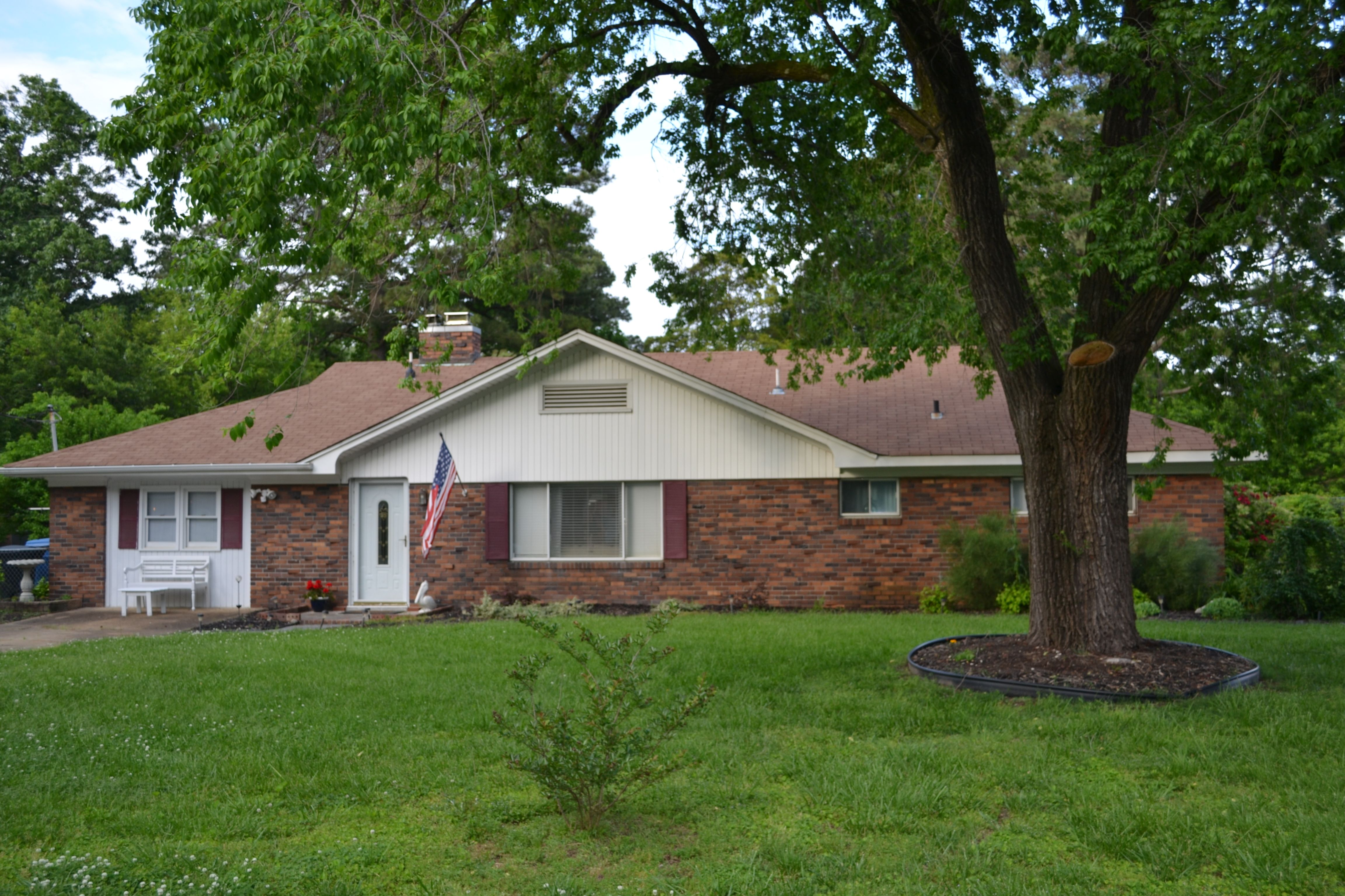 Brick ranch on 3/4 acre in Lake Shores for sale!