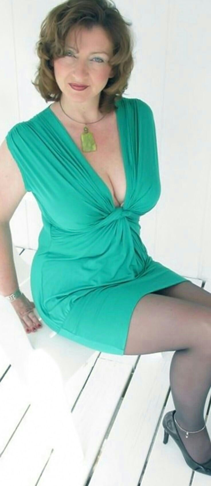 Old Mature, Mature Love, Julien Clerc, Mature Housewives, Beautiful Old  Woman,