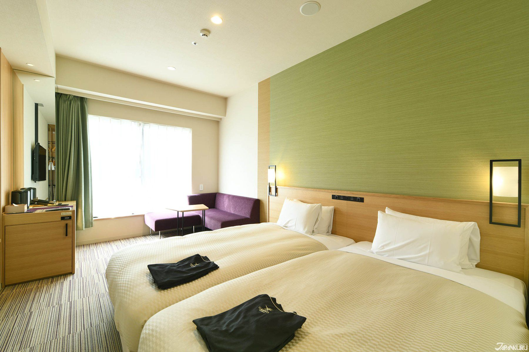 Get A Good Nights Sleep In The Executive Twin Room W City View At Candeo Hotel Osaka Namba Japankuru Hotels Japan Os Hotels Room Accommodations Twins Room
