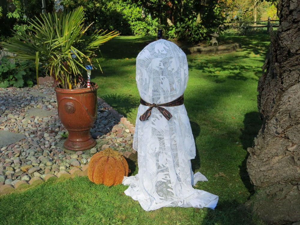 Fun, Fast and Easy Solar Halloween Ghost Neat Stuff Pinterest - pinterest halloween yard decor
