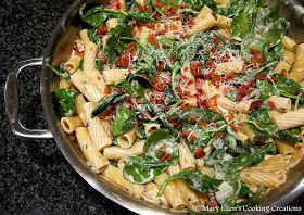 Mary Ellen's Cooking Creations: Bacon Ranch Pasta with Spinach and Tomatoes