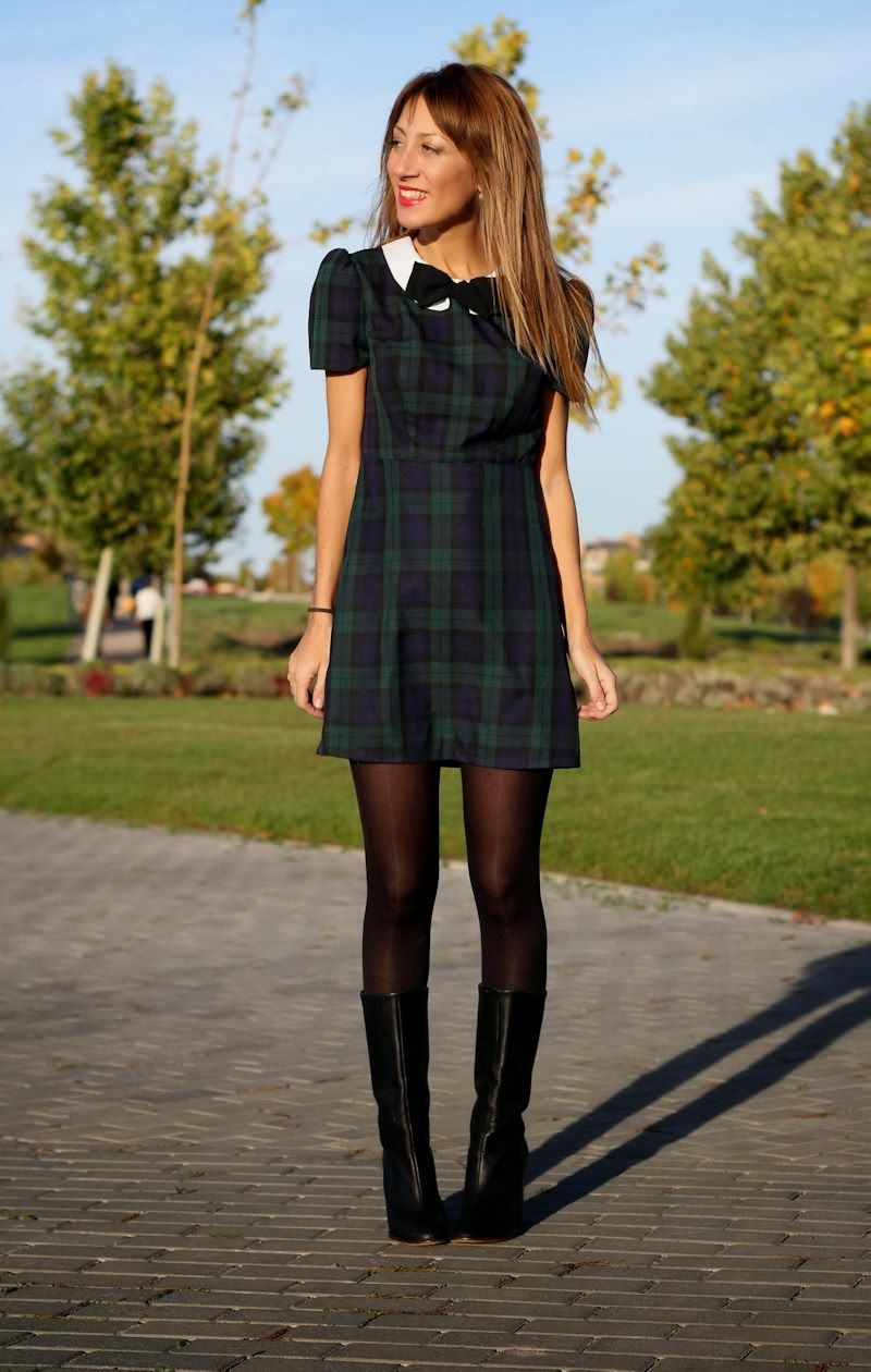 LOLA MANSÍL : TARTAN DRESS , LOW COST #fetishpantyhose #pantyhosefetish #legs #heels #blogger #stiletto #pantyhose #black