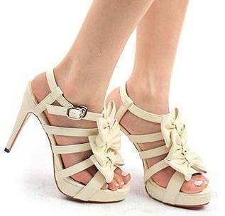 b18970aa25af Где можно купить женскую обувь большого размера спб   Красивая ...