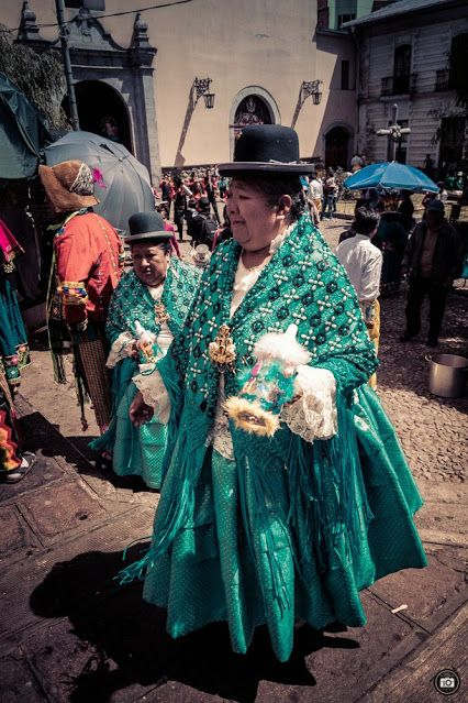 50Centimos Photography – Google+ Street Party in La Paz, Bolivia - La Chola