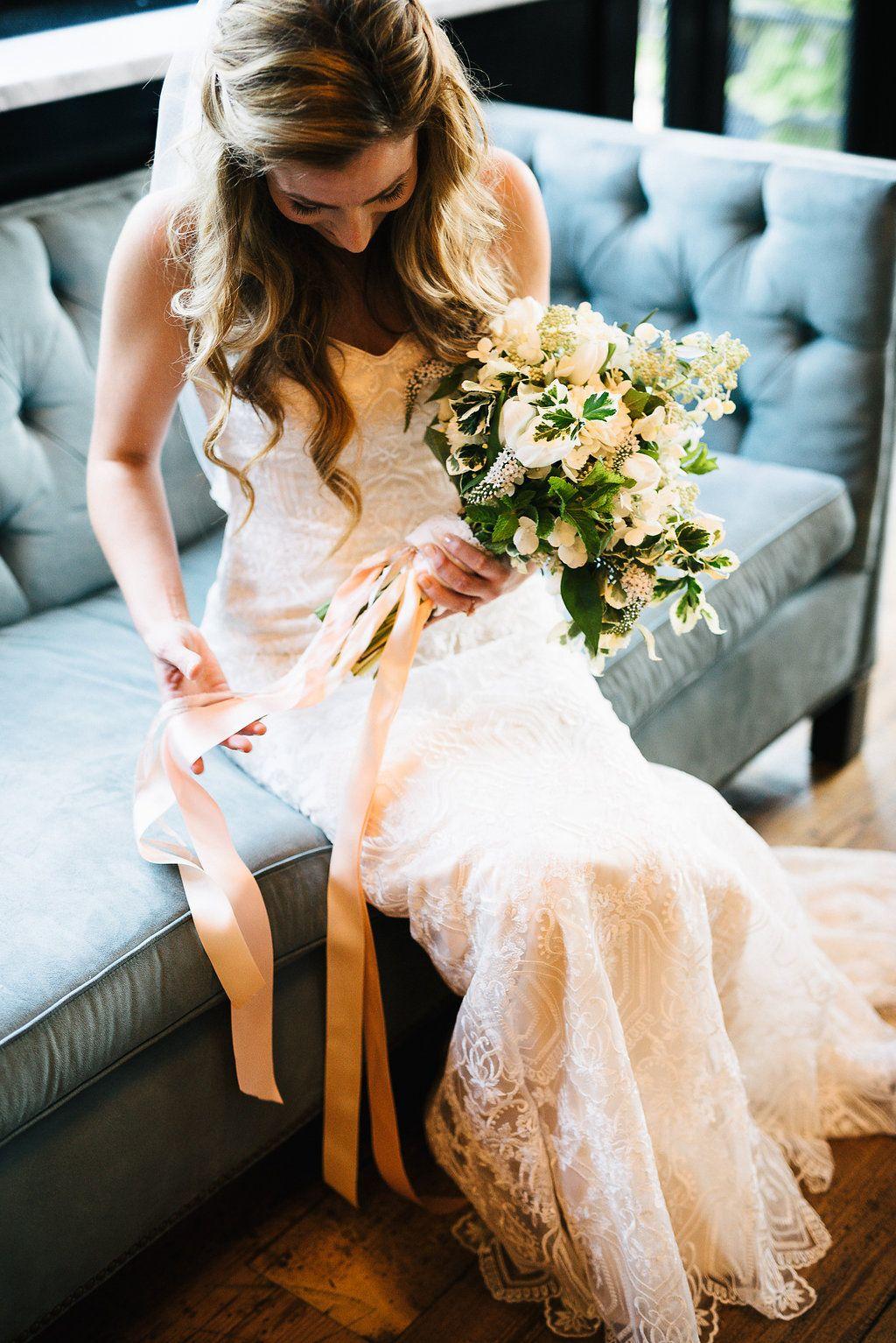 photography by chaz cruz / venue: 501 union / florist: bloombar