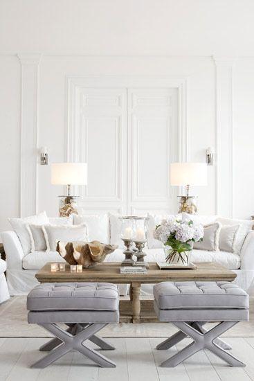 La pared y molduras en un mismo color pueden aportar un detalle arquitectónico muy sutil y hermoso.