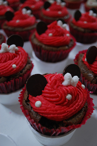 Minnie Mouse Brownie Cupcakes