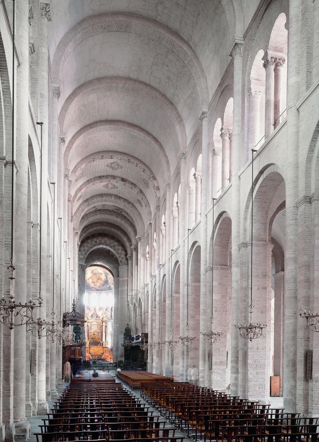 Romanesque architecture france nave st sernin for Architecture toulouse