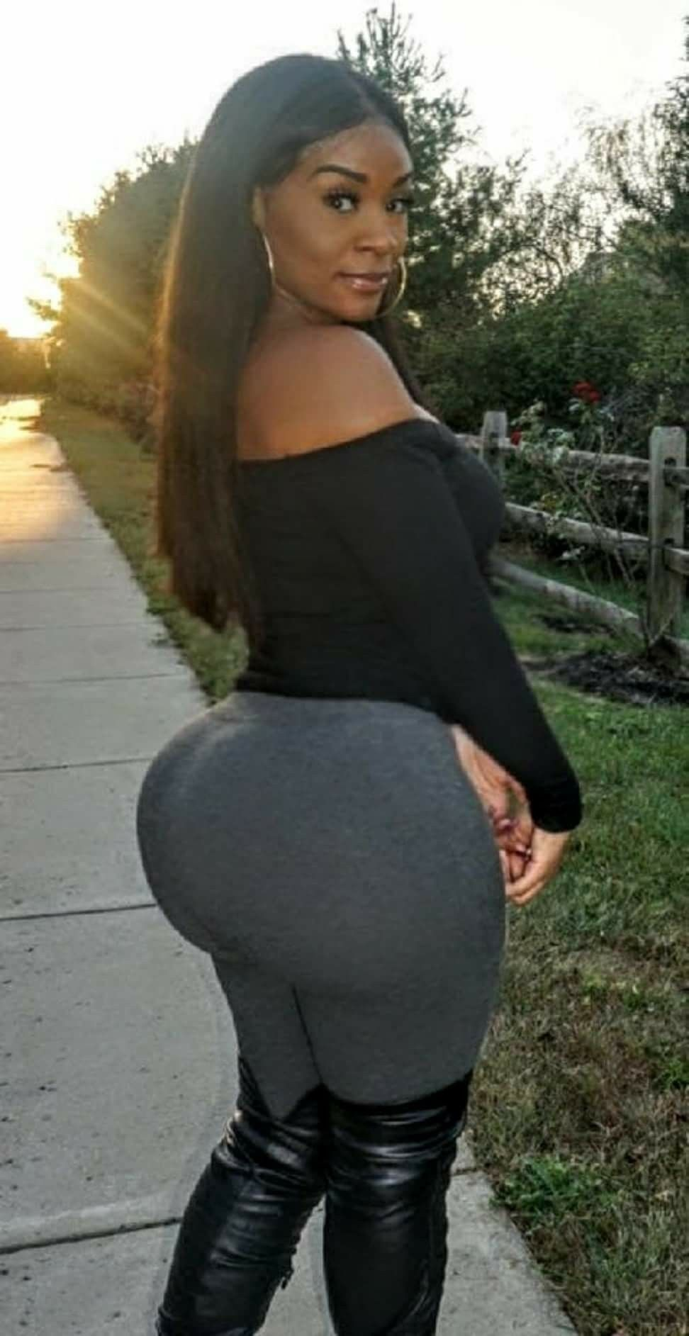 Pin By And Still I Rise On Big Booty Girl Beautiful  Pinterest  Curvy, Booty And -2764