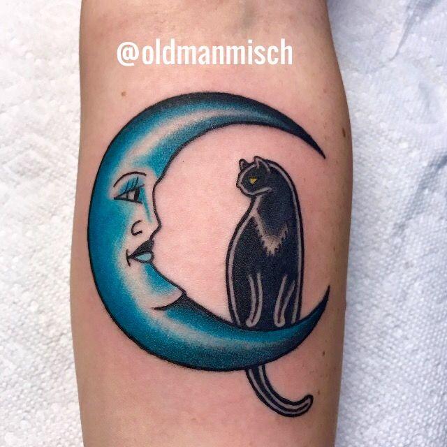 Cat and moon tattoo  #tattoo #cattattoo #luna #moon #moontattoo #traditionaltattoo