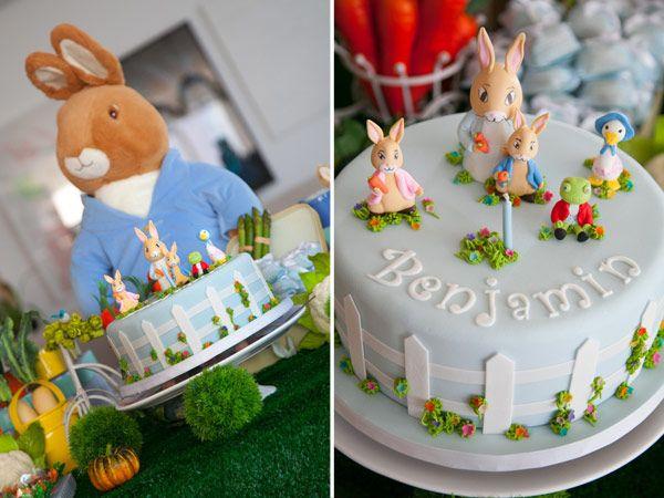 O pequeno Benjamin ganhou uma festa fofíssima no tema Peter Rabbit. A mesa foi decorada com legumes, regadores, borboletas, passarinhos e outros elementos