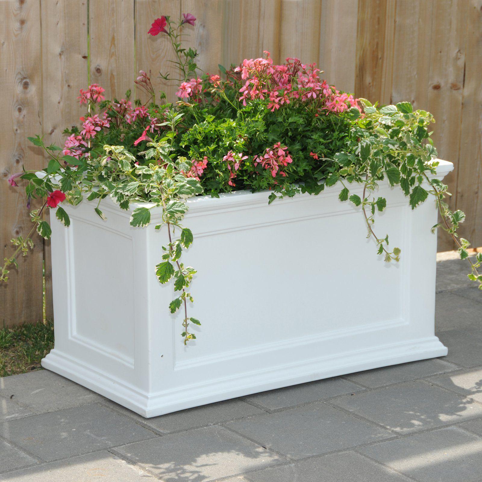 Mayne rectangle polyethylene fairfield patio planter