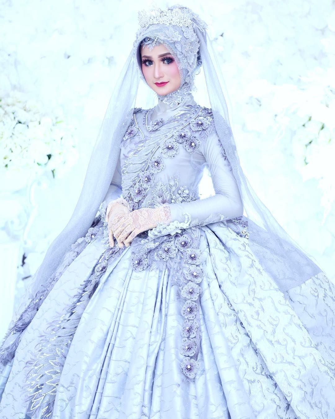 Pin By Sumayya On Hijab Muslim Wedding Dresses Muslim Wedding Dress Hijab Bride Muslimah Wedding Dress