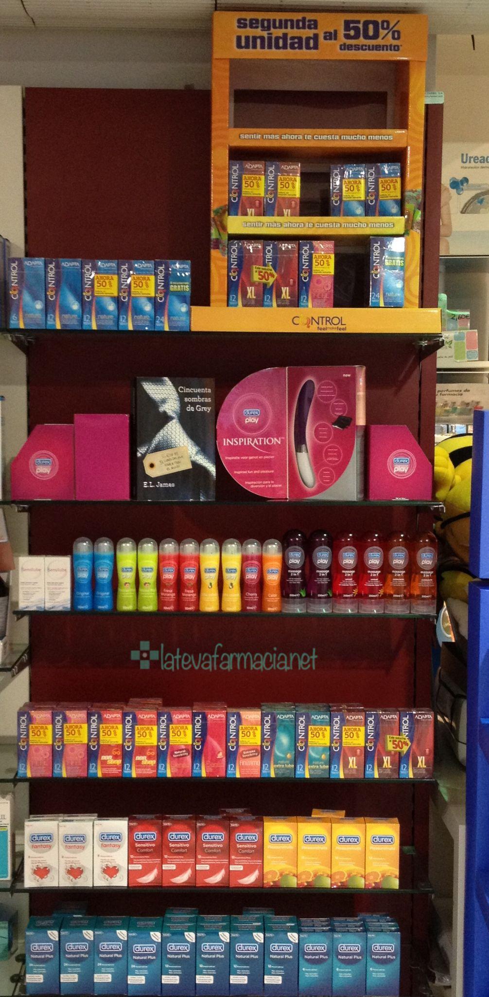 2012 escaparate 50 sobras Preservativos @latevafarmacia