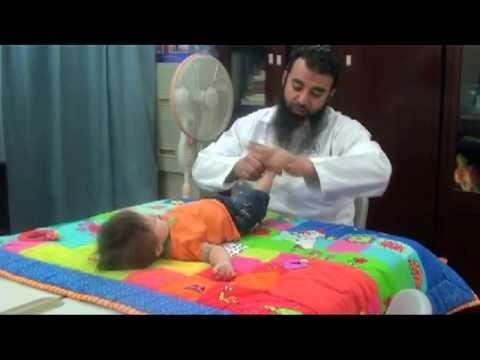 تدريب لمرونة القدمين 2 للابن نوح مع اسامة مدبولي متلازمة داون Down Syndrome