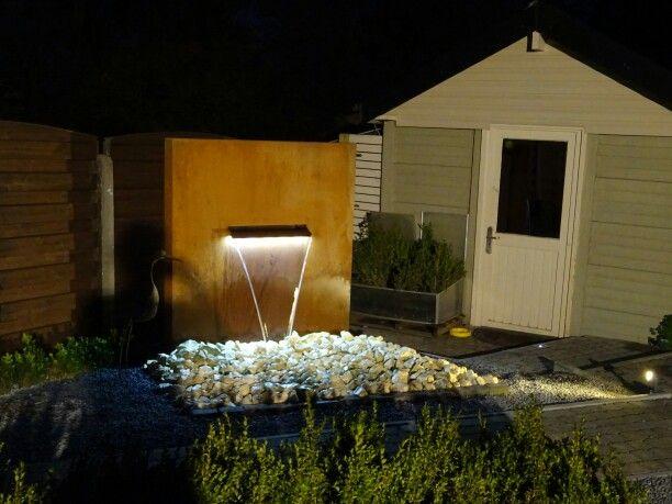 Cortenstaal Waterwand / Waterval met LED-Verlichting in Belgie. www.CortenStaalTwente.nl