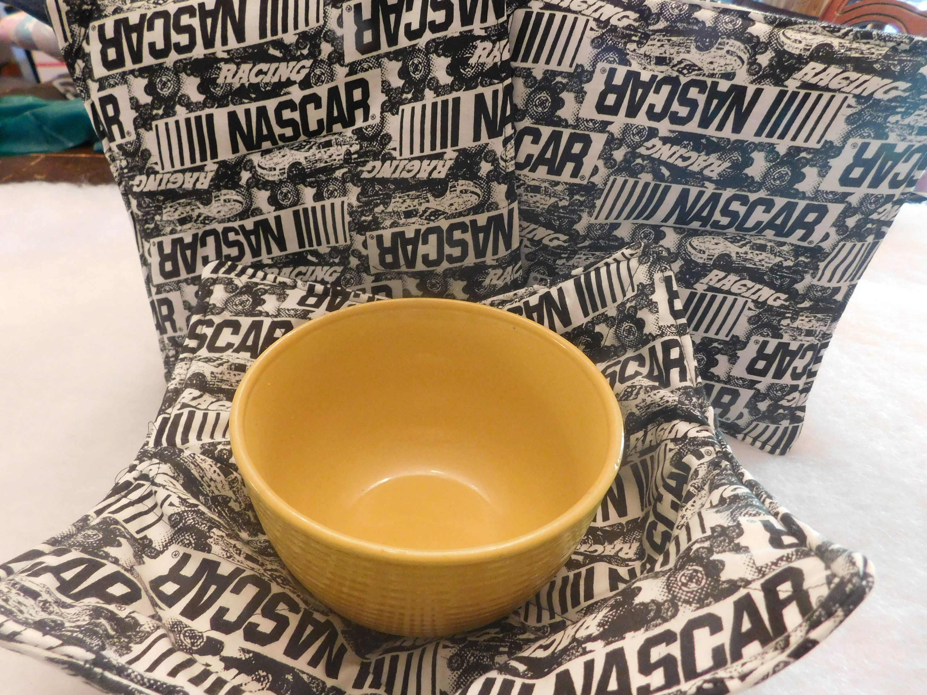 HOUSTON ASTROS SOUP BOWL COZIE REVERSIBLE WASHABLE AND MICROWAVEABLE